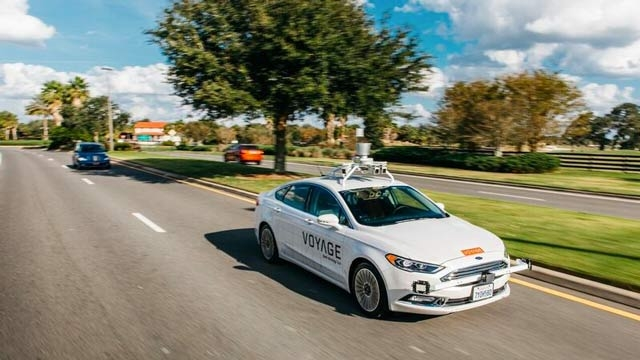 Entwicklung der Längsregelung für ein selbstfahrendes Taxi