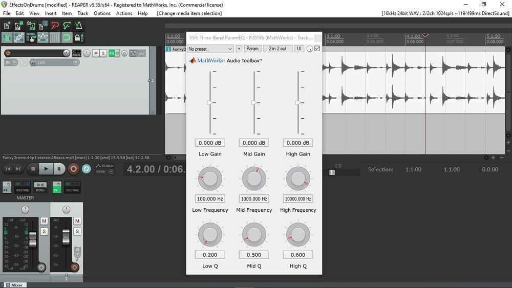 Benutzeroberfläche eines mit MATLAB generierten Audio-Plugins, wie es bei Verwendung im REAPER, einer bekannten digitalen Audio-Workstation, zu sehen ist. Die Benutzeroberfläche beinhaltet verschiedene, in einem 3×3-Raster angeordnete Schieberegler und Drehschalter.
