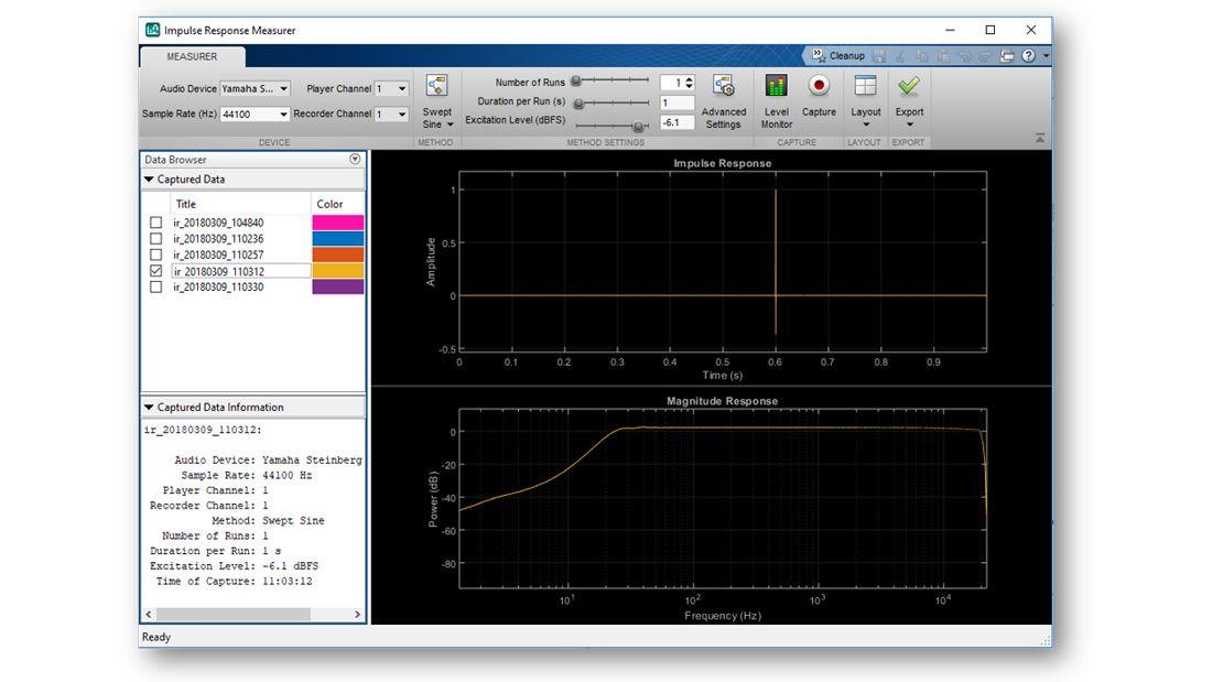 Erfassung der Impulse Response Measurer–App, die eine geschätzte Antwort im Zeit- und im Frequenz-Bereich, ein Menü mit einer Liste anderer, zur grafischen Darstellung verfügbarer, geschätzter Impulsantworten und andere interaktive, in der App verfügbare Bedienelemente anzeigt.