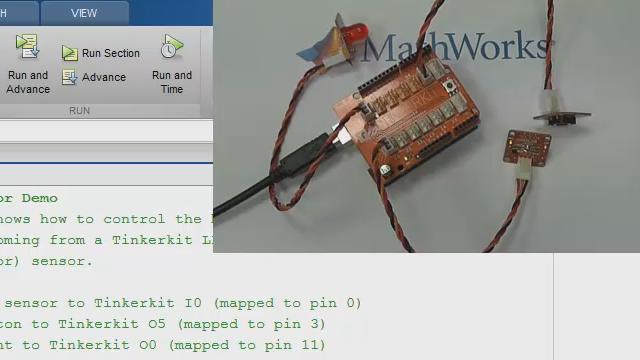 Cette vidéo vous présente comment communiquer avec une carte Arduino® UNO directement à partir de MATLAB®, en utilisant les fonctions du Suppport Packages MATLAB pour Arduino.