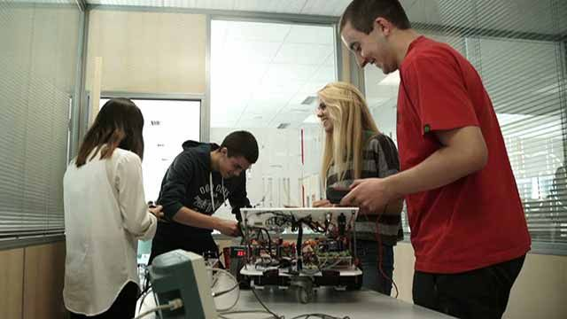 Campus-wide access to MATLAB and Simulink enables Mondragon University to develop an applied teaching methodology to build students' practical engineering skills.